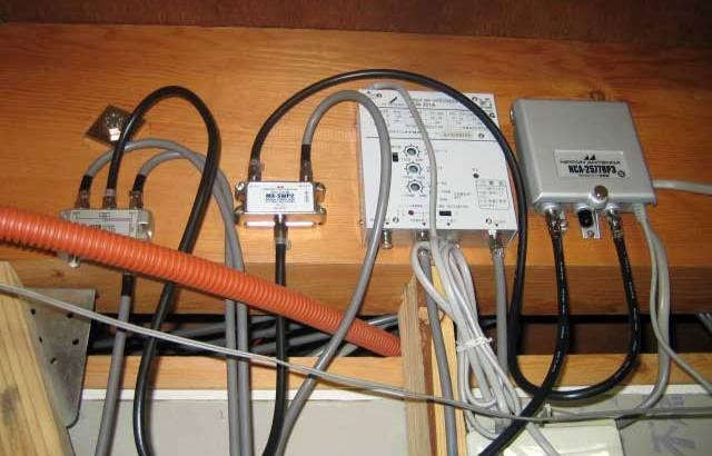 光ファイバーを有線で通す工事って大変?