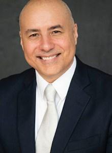 Dr. Daniel Araya