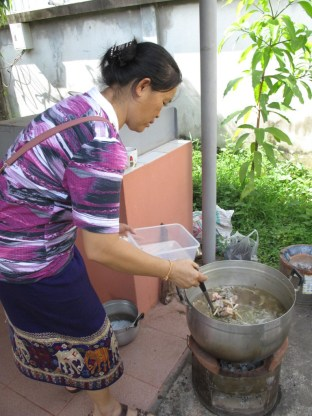 """Linda"" (Bouangeun) prepares the soup"