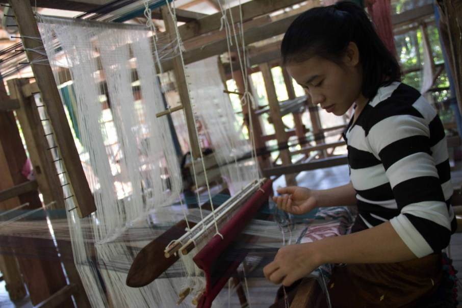 So many threads: Master weaver at work