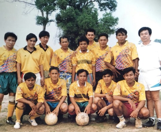 1993 - with the former director of the LGTC (LGTS) Mr Soulikone (in white on the right side)