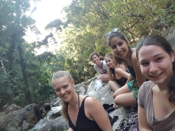 """Exploring Thai islands with the """"Sikeud girls"""""""