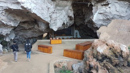 A former meeting-room of the Phatet Lao in the caves of Vieng Xai...
