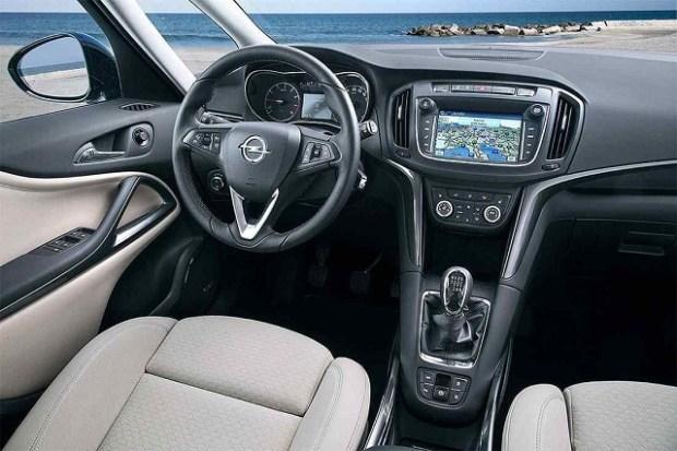 2019 Opel Meriva interior