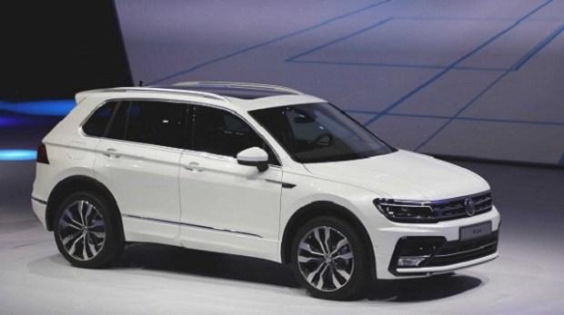 2019 VW touran side view