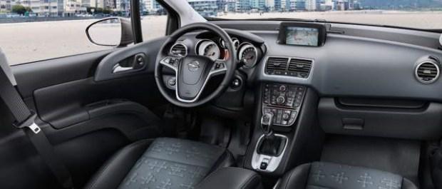 2020 Opel Meriva interior