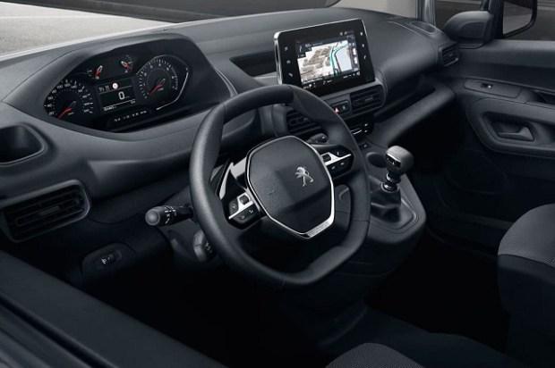 2019 Peugeot Partner interior