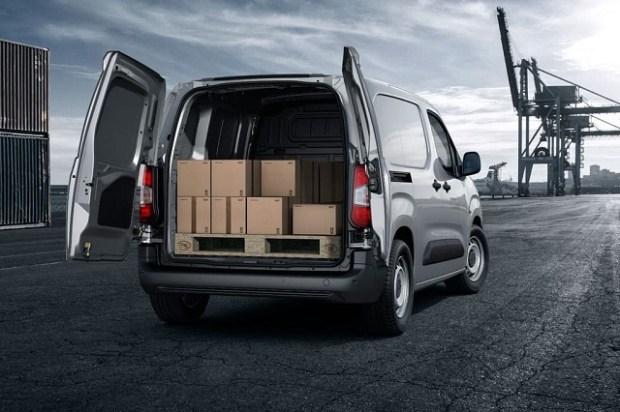 2019 Peugeot Partner rear