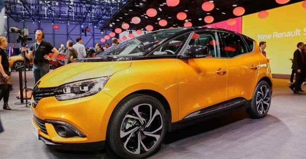 2019 Renault Scenic front view