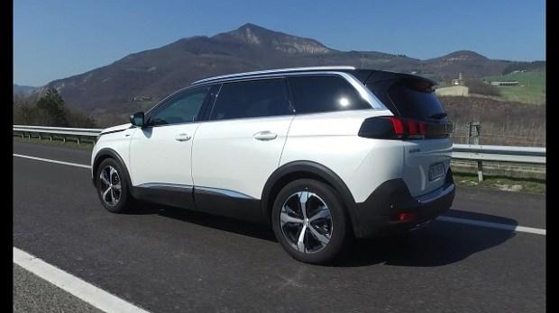 2020 Peugeot 5008 rear