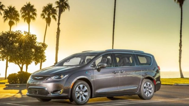 2021 Chrysler Pacifica Hybrid exterior
