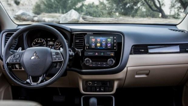 2021 Mitsubishi Expander interior