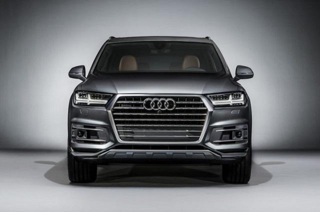 2019 Audi Q7 front view