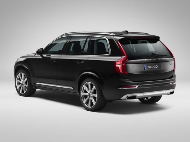 2019 Volvo XC90 rear view