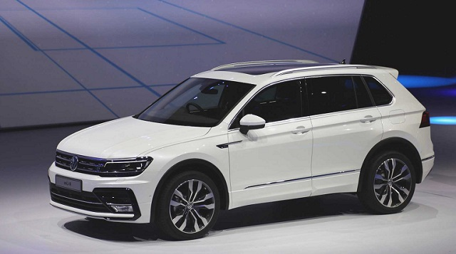 2019 VW Tiguan front view