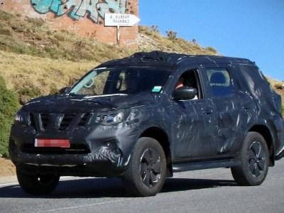 2020 Nissan Pathfinder spy shots