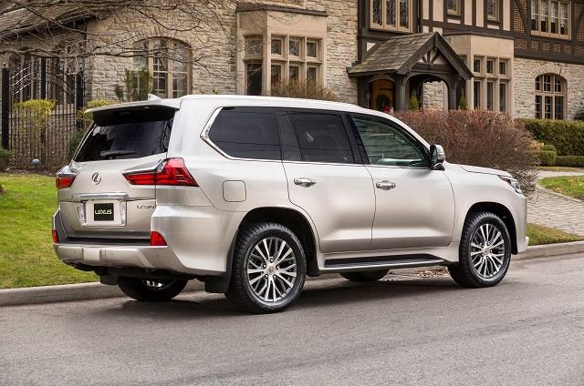 2020 lexus LX 570 rear view