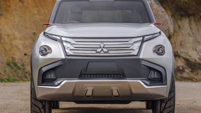 2020 Mitsubishi Pajero front view