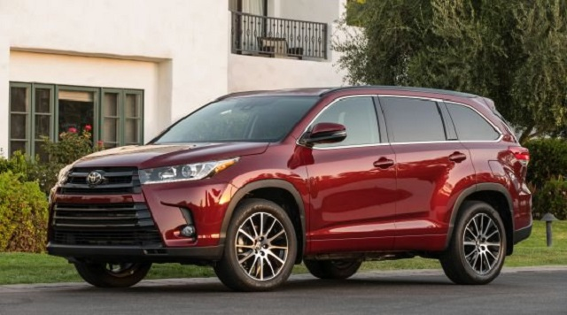2020 Toyota Highlander front view