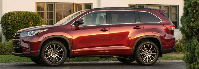 2020 Toyota Highlander side view
