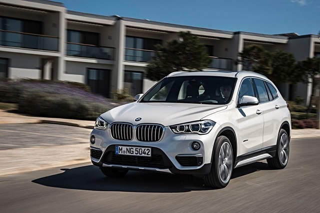 2020 BMW X1 front view