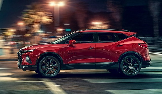 2020 chevy blazer side view
