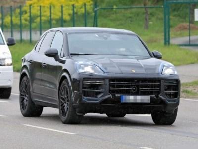 2023 Porsche Cayenne spy shot