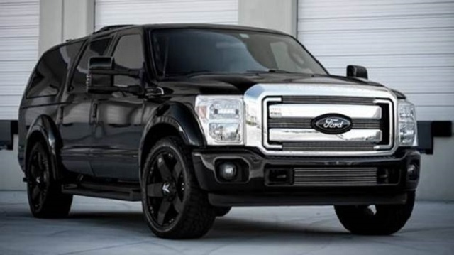 2020 Ford Excursion front