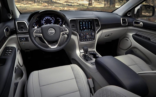 2020-Jeep-Cherokee-Interior