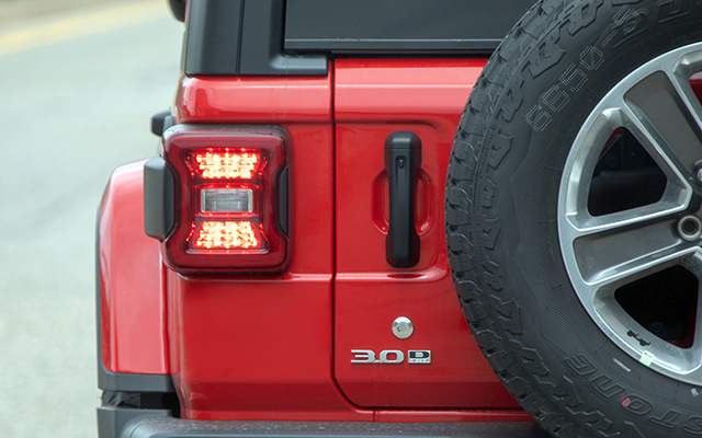 2020-Jeep-Wrangler-Diesel