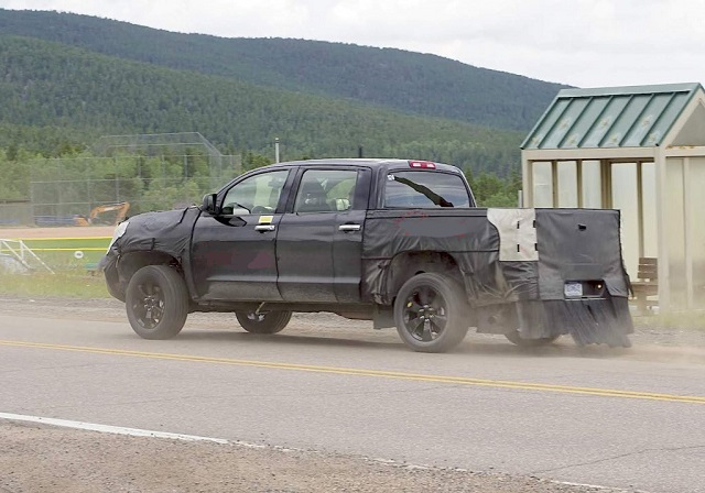 2021 Toyota Tundra redesign Spy shot