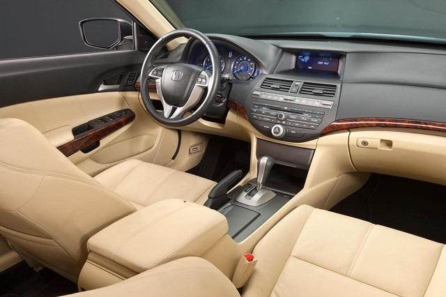 2021 Honda Crosstour interior