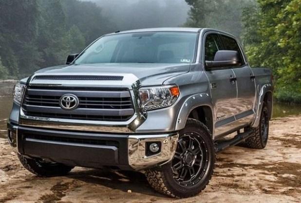 Toyota Tundra Hybrid front