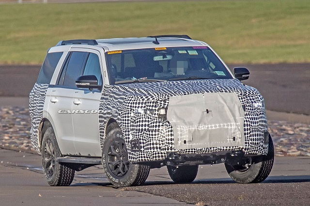 2022 Ford Expedition MAX Spy Shot