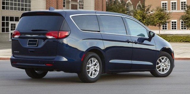 2021 Chrysler Voyager rear