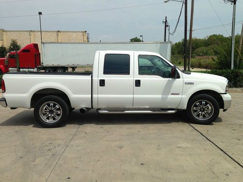 Buy Used 2005 Ford F-250 Super Duty XLT Crew Cab Pickup 4