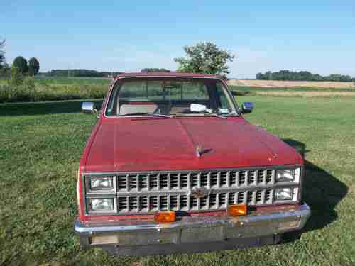 Sell Used 1982 CHEVY SILVERADO PICKUP TRUCK 3-OWNER