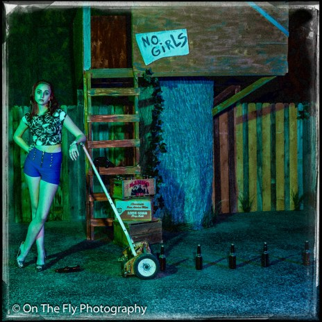 2014-12-02-0106-Midnight-At-The-Treehouse-exposure