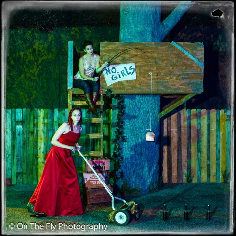 2014-12-02-0189-Midnight-At-The-Treehouse-exposure