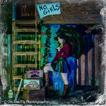 2014-12-02-0241-Midnight-At-The-Treehouse-exposure