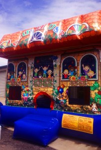12Clubhouse Bounce House