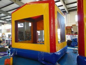7Fun Play House bounce house moonwalk