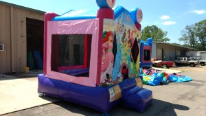 5Disney Princess bounce house moonwalk