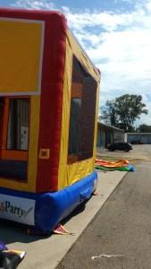 Fun Play House bounce house moonwalk