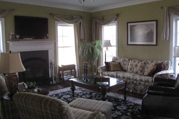 Home   Rhinebeck, NY hotel alternative Primrose Hill bed and