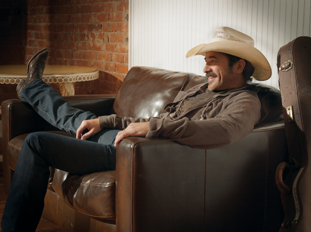 A promo image of country music star Kix Brooks