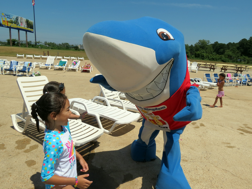 A photo of the Splash Kingdom Waterpark mascot