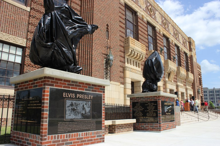 A photo of the Elvis Presley and James Burton statues