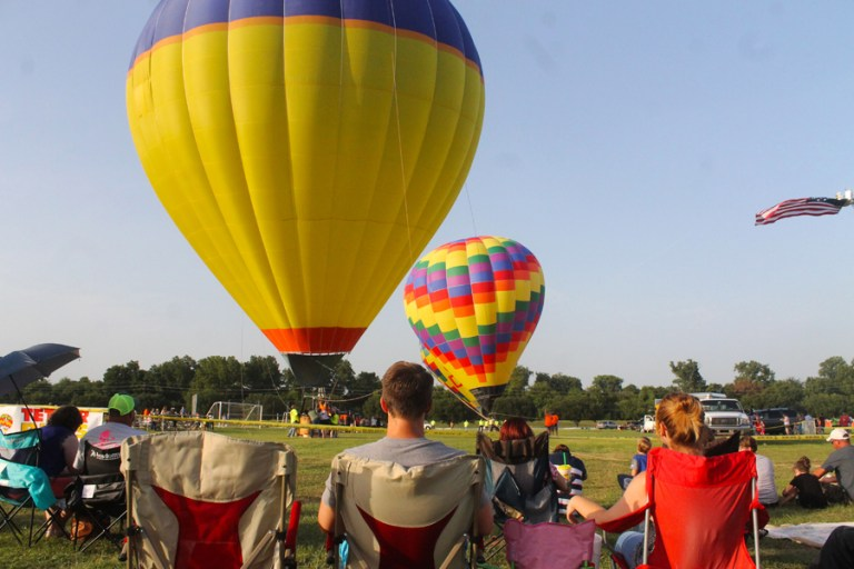 A photo of hot air balloons