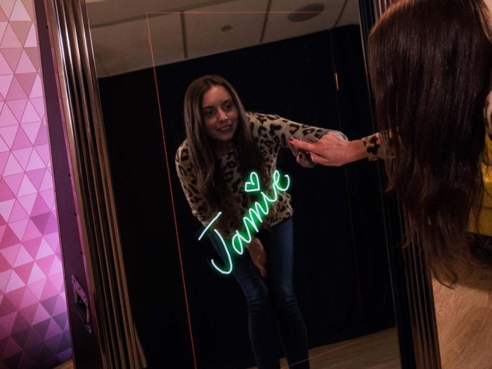 Mirror Photo Booth Chicago Signing Feature